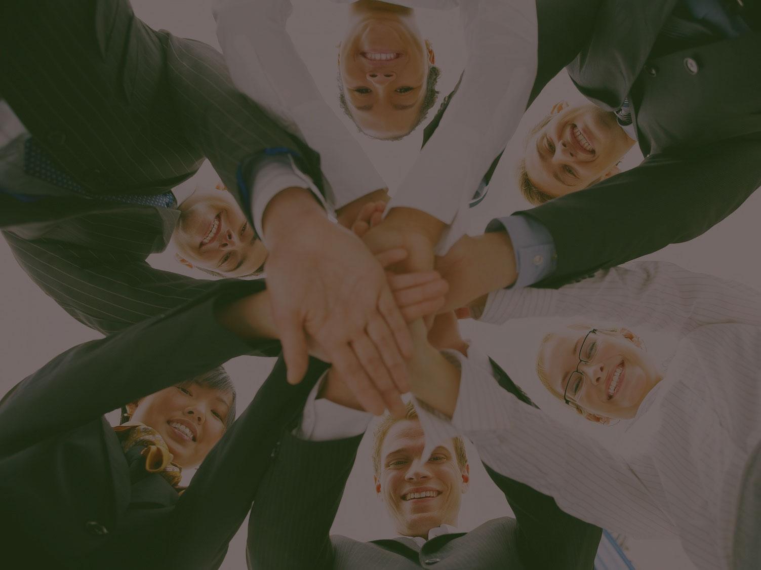 Somos un equipo de profesionales con conocimientos en diferentes áreas de negocio, que esperas para sumarte!